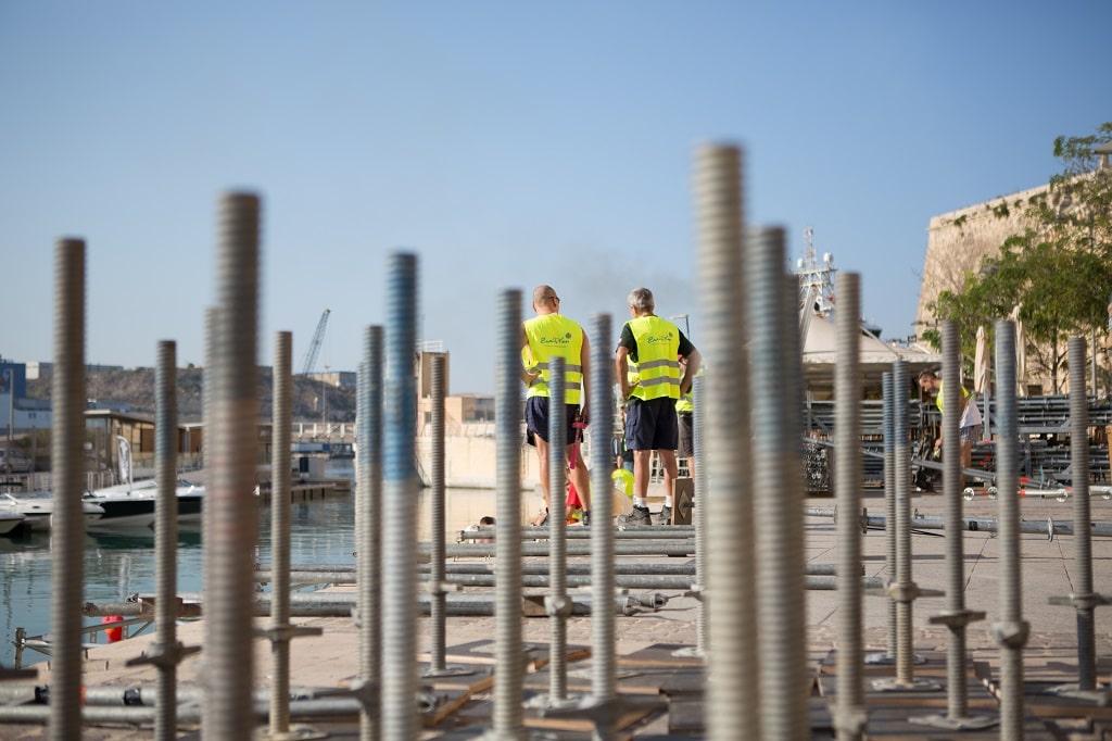 Für eine DVAG Veranstaltung in Malta baute Zweiplan eine 2.500 m² große Plattform in das Hafenbecken von Valletta.