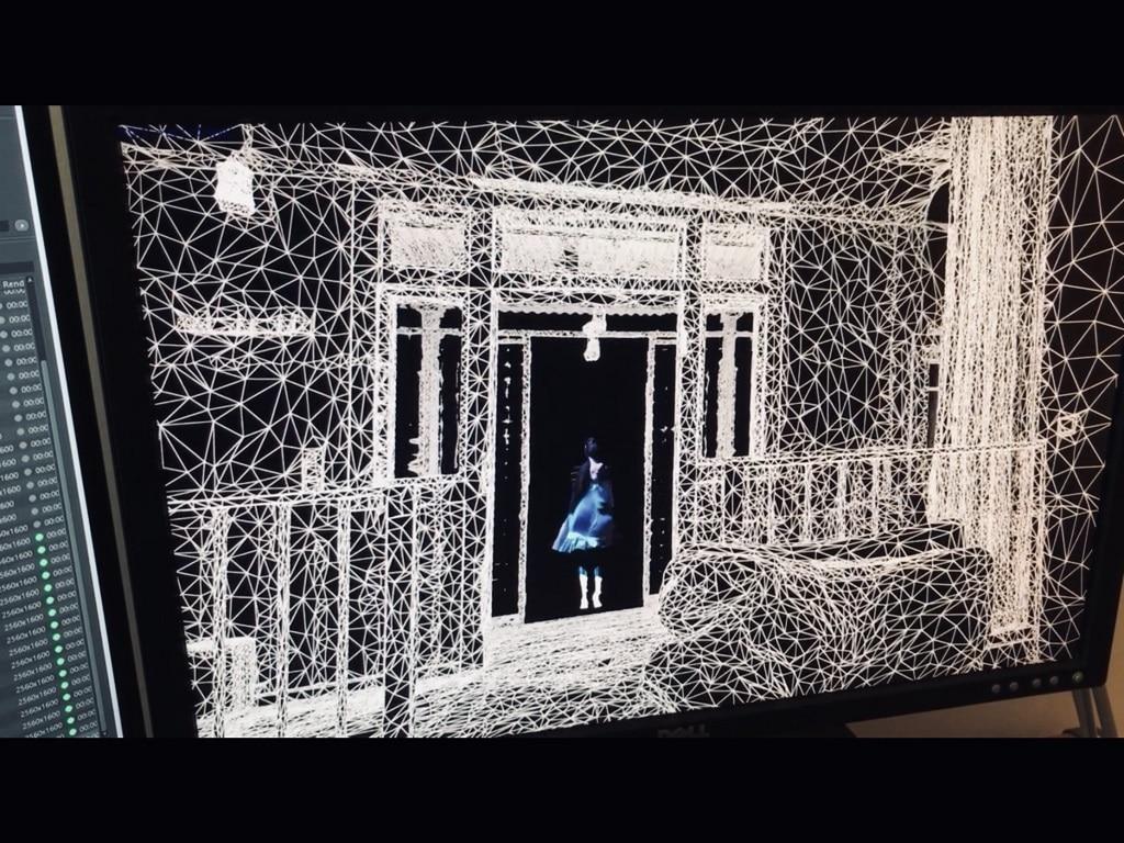 """Ein Still der VR-Inszenierung """"Memories of Borderline"""": Das Bühnenbild der Borderline-Prozession wurde mit einem LIDAR Scanner (diese werden auch für Google Street View benutzt) eingescannt und daraus ein interaktives Theaterstück gemacht."""