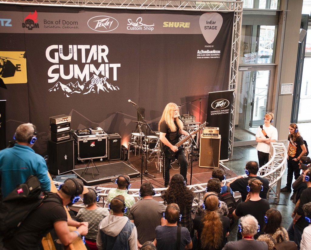 Guitar Summit 2019 Silent Stage - PINK Event Service
