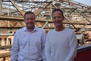 Henrik Bollmann (l.) mit Geschäftsführer Michael Hosang