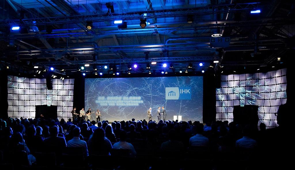 Eventkonzeption der IHK Bestenehrung vom Eventdienstleister PINK Event Service aus Karlsruhe und Frankfurt