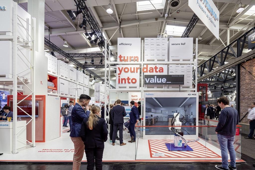 Der Slogan 'Turn your data into value' kann spielerisch individualisiert werden