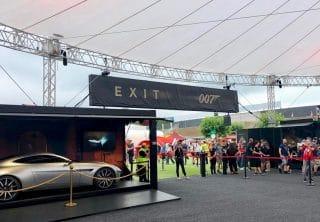 Skyliner überdacht die Raritäten des Bond-in-Motion-Showrooms