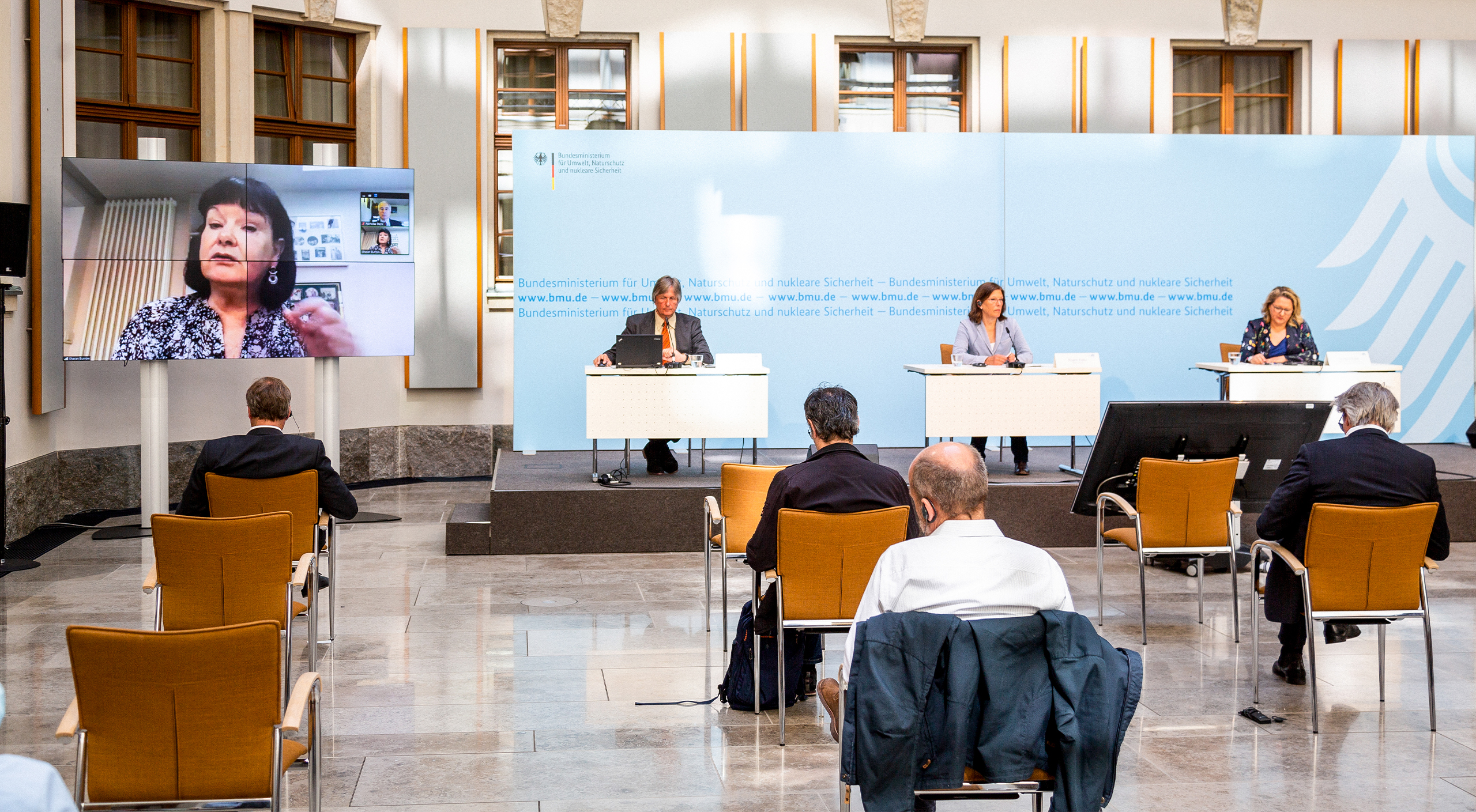 Die Pressekonferenz des Petersberger Klimadialogs.