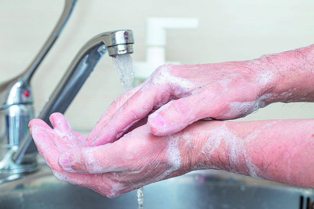 Händewaschen-Waschen-Hand-Wasserhahn-Schutz-Pandemie-Sauberkeit-Seife-Corona