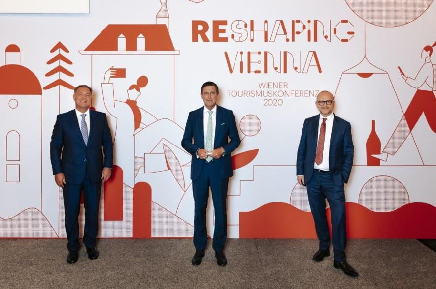 Wiener Tourismuskonferenz 2020: v.l.n.r.: Walter Ruck (Präsident der Wirtschaftskammer Wien), Peter Hanke (Stadtrat für Finanzen, Wirtschaft, Digitalisierung und Internationales sowie Präsident des WienTourismus) und Norbert Kettner (Direktor WienTourismus)
