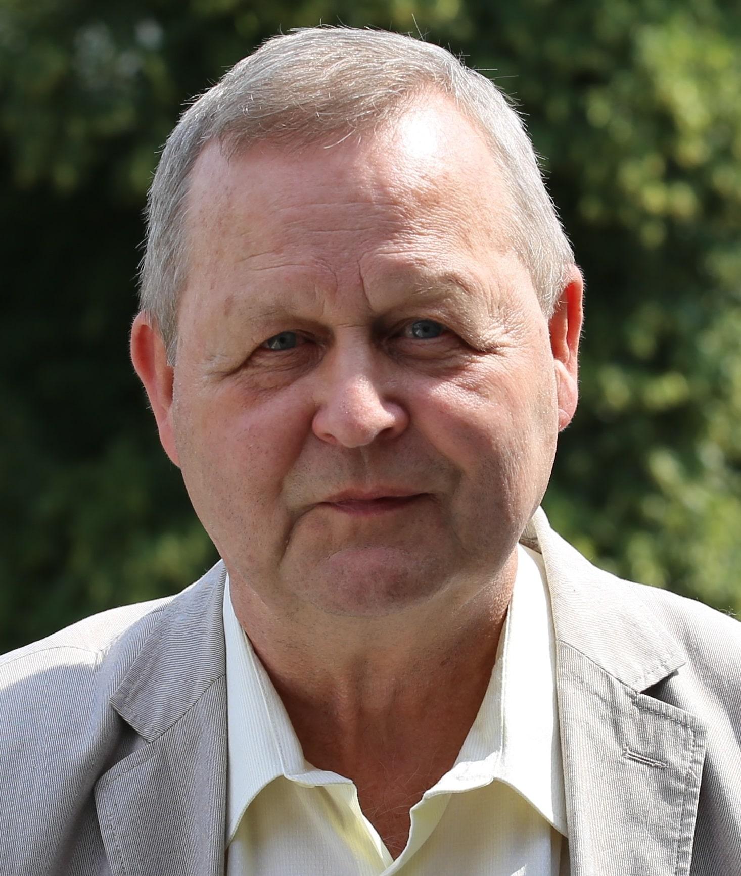 Dr. Frank Mücke