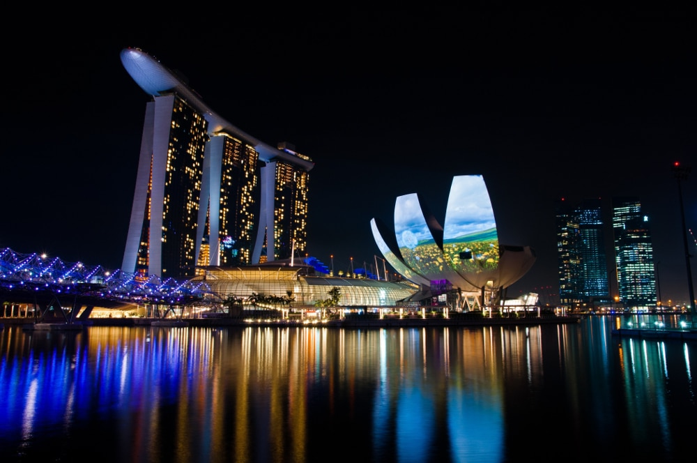 Sg-Skyline_Night_HR_01_credit-Toh-Ming-Zong
