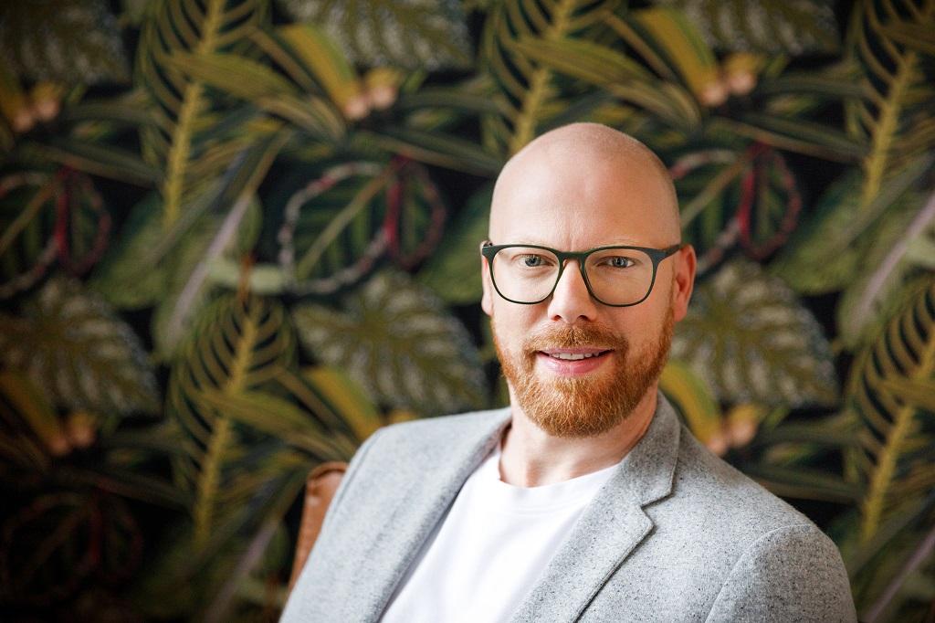 Frederik Nimmesgern ist Director Concept & Strategy bei insglück