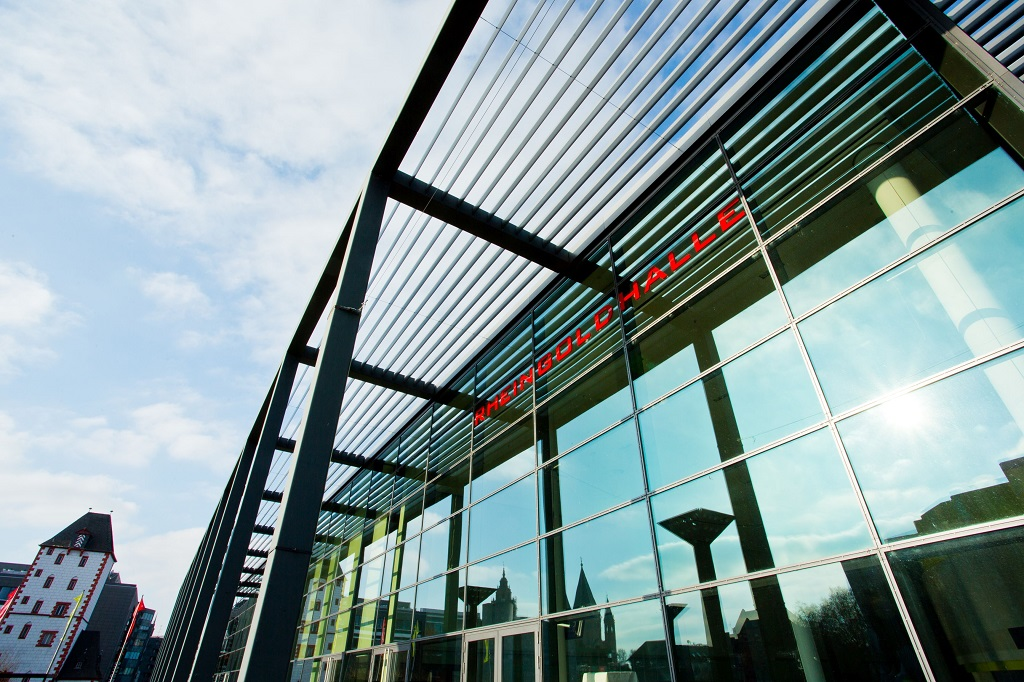 Rheingoldhalle_Mainz_Glasfassade