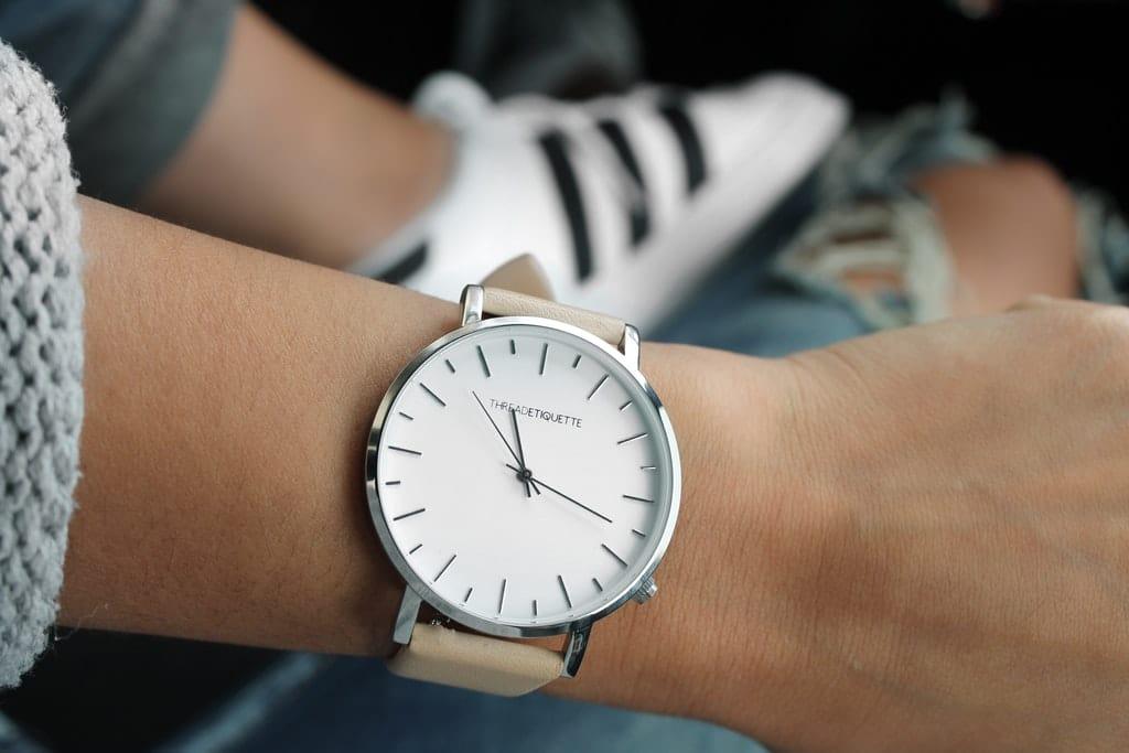 Uhr-Uhrzeit-Zeit