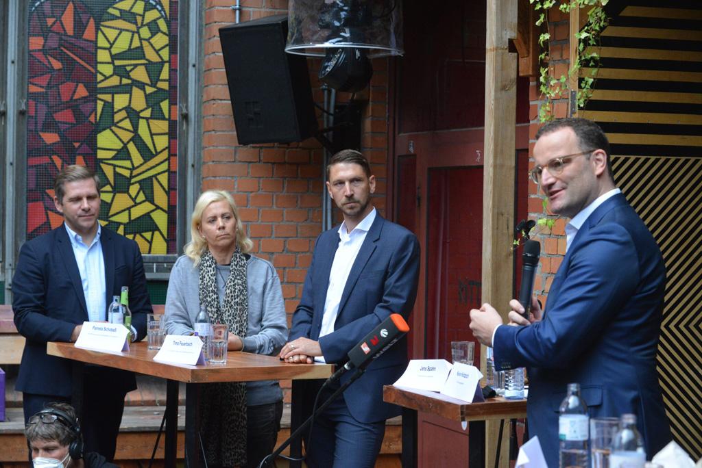 Kevin Kratzsch, Pamela Schobess, Timo Feuerbach und Jens Spahn (v.l.)